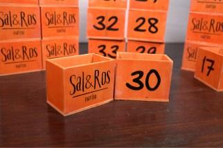 segnatavolo di legno Sal&Ros