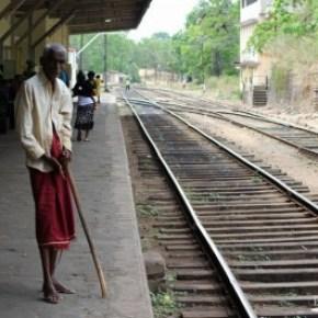 Trincomalee-->Colombo-->Negombo