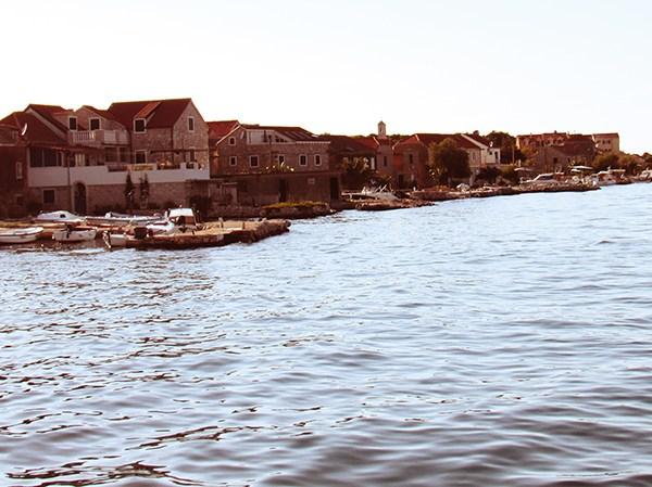 KRAPANJ – najniži otok na Jadranu, hrvatska Venecija