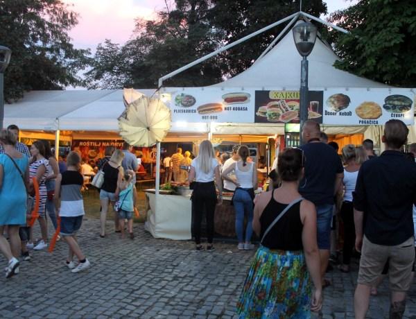 Gastronomska scena na Porcijunkulovom vrvi fantastičnom ponudom hrane