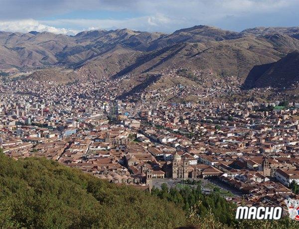 S Machom u Machu Picchu – 2. Dan (Cuzco)