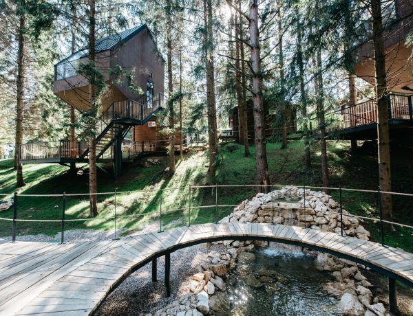 Otvoren prvi hrvatski glamping resort s kućicama na drvetu
