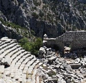 Termessos, ultimativno Lara Croft iskustvo, predivan pogled sa antičkog razrušenog grada u planinama.