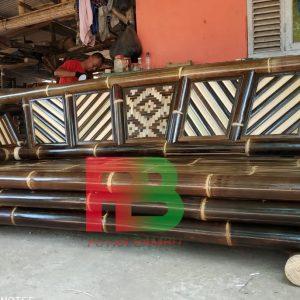 kursi panjang bambu