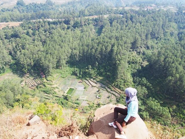 10 Alasan Kenapa Kamu Jangan Traveling Di Indonesia