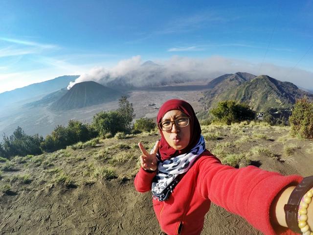Gunung Bromo: Menikmati Jutaan Bintang di Pananjakan 1 dan Hangatnya Pagi di Bukit Cinta
