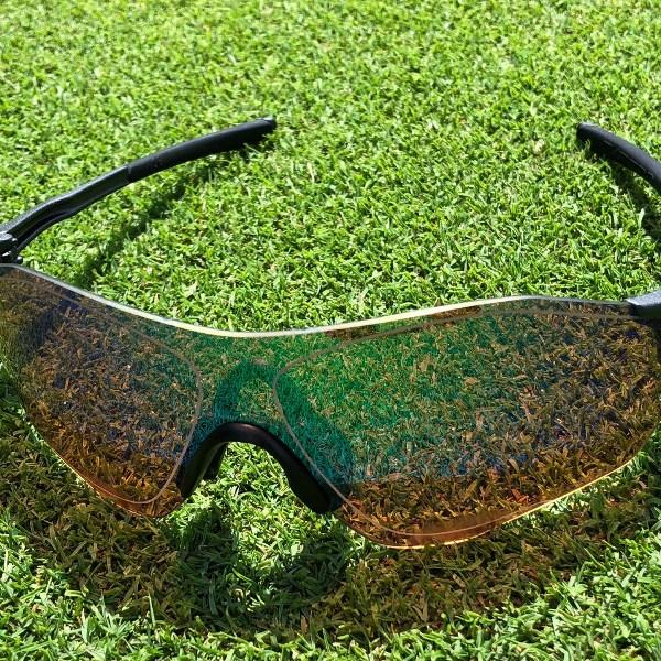 ゴルフ用サングラスは本当に芝目が見えやすいのか?