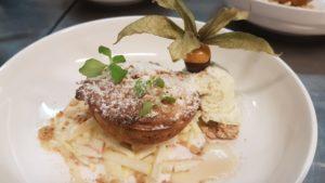 Appel- of perencake-je als dessert