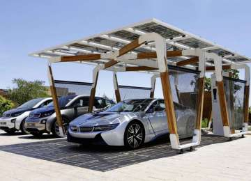 Solar energy + electric vehicles: the perfect combination