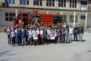 """Učenicima O.Š. """"Mihailo Žugić"""" u Odžaku održano predavanje kroz projekat """"Edukacija mladih o prevenciji i zaštiti od požara"""""""