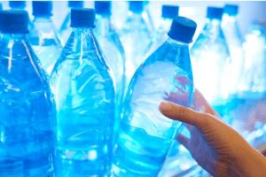 Paradoksalno: Imamo najkvalitetnije izvore, a uvoz vode konstantno raste! Zašto su nam miliji tuđi od domaćih proizvoda?