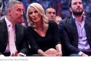 Đukanović ženi sina na Svetom Stefanu
