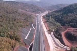87 mostova, 5 tunela i 5 saobraćajnih petlji… U Srbiji svečano otvoren ISTOČNI KRAK KORIDORA 10
