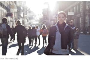 """Bijeg od """"rođačke ekonomije"""": Oni su mladi, obrazovani i odlaze iz Crne Gore"""