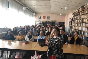 """Ambasadorka Sjedinjenih Američkih Država Džudi Rajzing Rajnke posjetila Gimnaziju """"Tanasije Pejatović"""" u Pljevljima"""