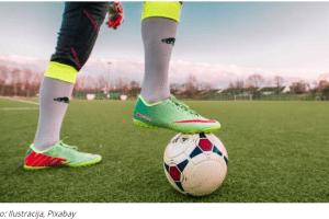 TRAGEDIJA na meču: Fudbaler gurnuo sudiju usred utakmice, on PREMINUO