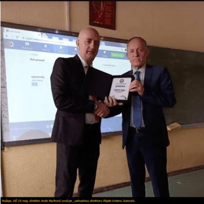 Erste banka poklonila interaktivne table za 14 osnovnih škola