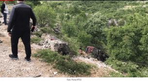 Dvije osobe poginule, preko 10 povrijeđenih u sudaru autobusa i automobila na putu Podgorica – Nikšić
