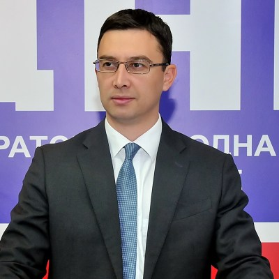 БОЈОВИЋ: Градоначелник Пљеваља да поднесе оставку јер узима новац и од Општине и од Рудника угља