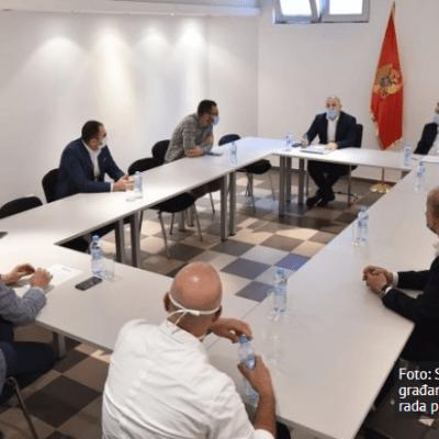 Nuhodžić: Svi pripadnici policije sa zaštitnom opremom i pripadnici intervente moraju nositi identifikacione oznake