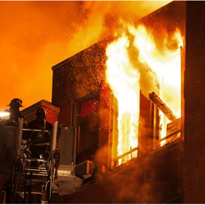 U osmom mjesecu trudnoće razvalila vrata i izvukla komšije iz požara