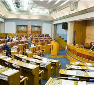 Dva nevladina udruženja sugerisala više amandmana na Vladin Predlog zakona o medijima