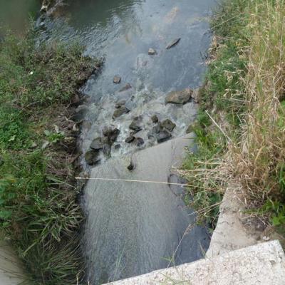 Fekalna kanalizacija i dalje teče u Breznicu