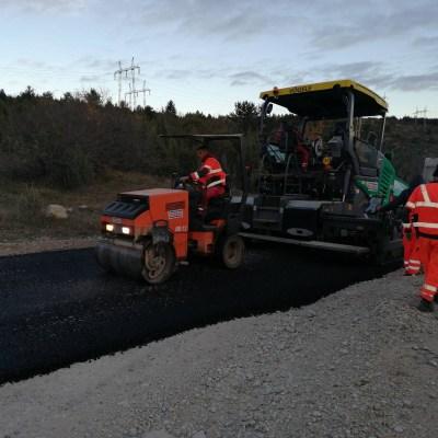Rudnik asfaltira put u Crljenicama