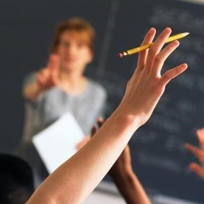 SNP: Pomoći nastavnicima koji su angažovani na određeno vrijeme