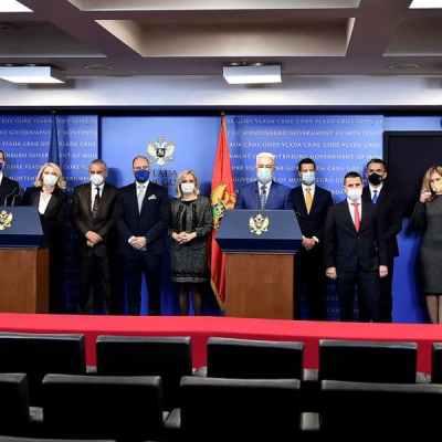 Vlada: Spremni da sjednemo za sto sa Đeljošajem