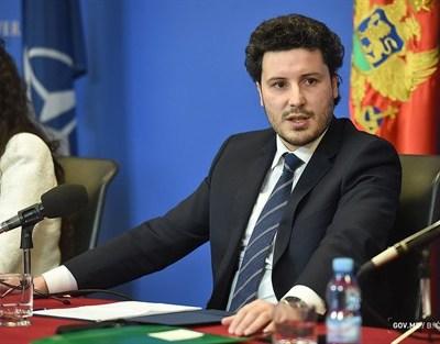Abazović se zahvalio NR Kini na donaciji 30.000 doza vakcina