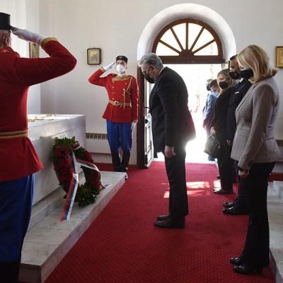 Premijer Krivokapić položio vijenac na grob kralja Nikole