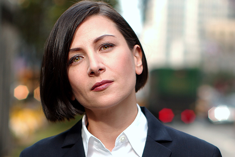 Donna Tartt won the 2014 Pulitzer Prize in Fiction for her novel The Goldfinch - peoplewhowrite