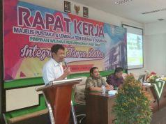 Wakil Ketua PWM Jatim, Prof Imam Robandi, dalam sambutan Rapat Kerja Bersama Majelis Pustaka dan LSBO (foto: sudarusman)