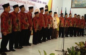 PDM Tuban 2015-2020 berfoto bersama dengan Ketua PWM dan Ketua PWA Jatim (foto: faris)