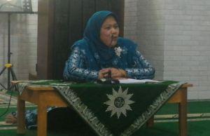 Komariyah MH saat pleno diperluas PDA Kota Malang