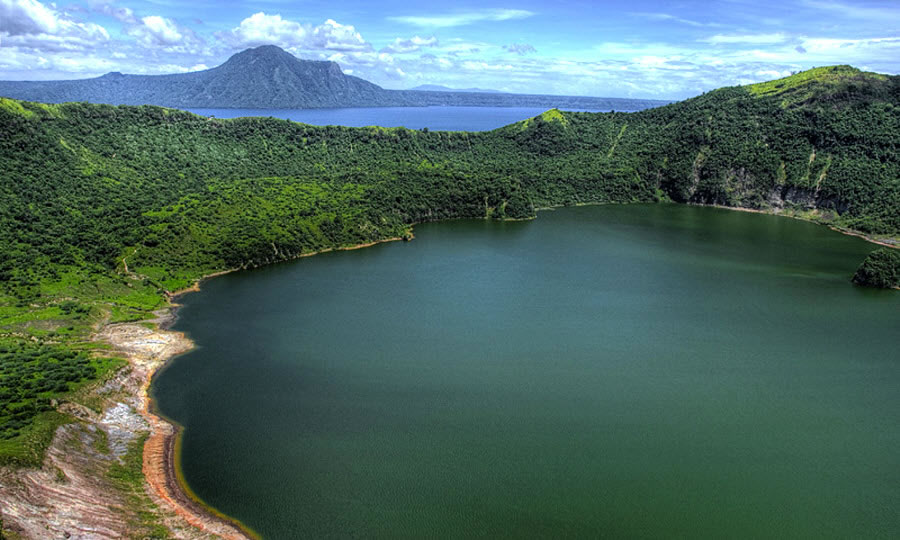Crater, Taal Volcano
