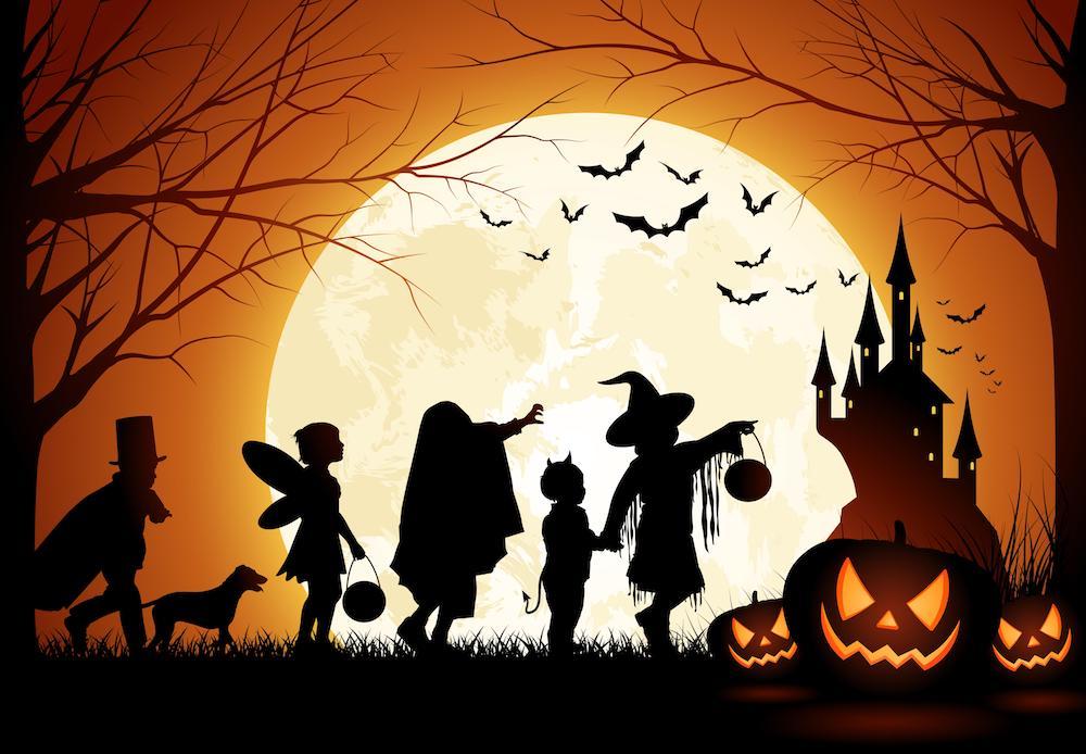 halloween spending forecast to