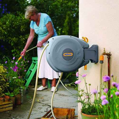 Hozelock auto rewind 10 meter enclosed hose reel review