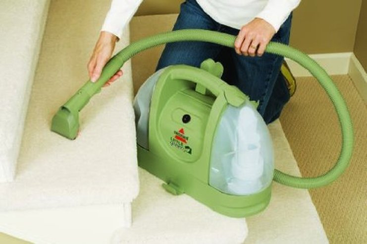 BISSELL 30K4E Multi-Purpose Carpet Cleaner cleaning stairs