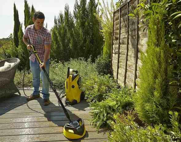 Kärcher K4 Pressure Washer cleaning decking