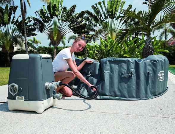 Lazy-Z-Spa Palm Springs HydroJet setting up