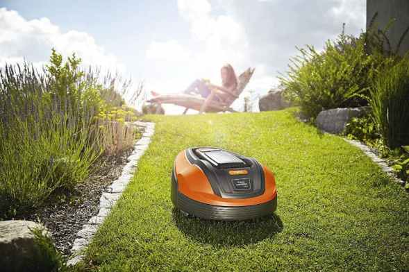 Flymo Lithium-ion Robotic Lawnmower 1200 R picture