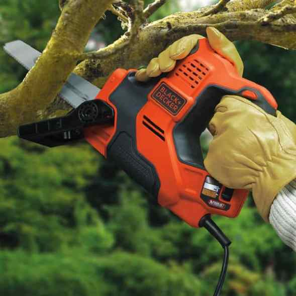 BLACK+DECKER Scorpion-Powered Hand Saw