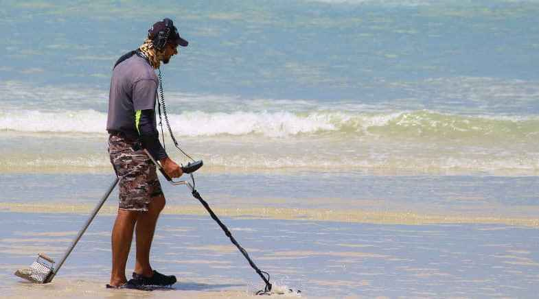 The Best Metal Detector – Top 6 UK Models & Reviews