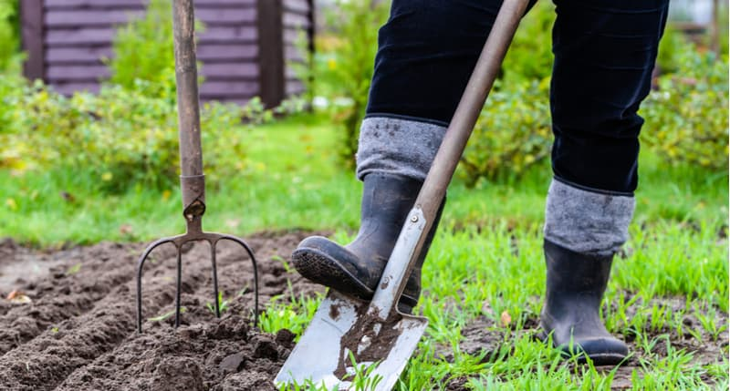6 Best Gardening Trousers for Men and Women