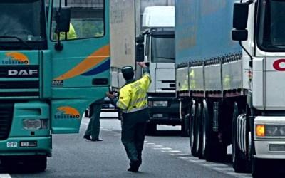 1.300 camioneros multados en una semana por saltarse los descansos