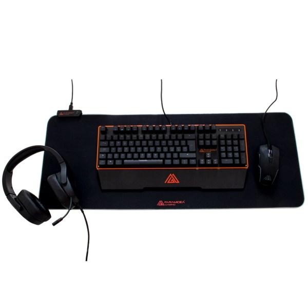 """Immagine del bundle all pack che comprende tastiera """"PG100PRO"""", cuffia """"PGH20"""", mouse """"PM640"""" e tappetino """"PT80"""""""