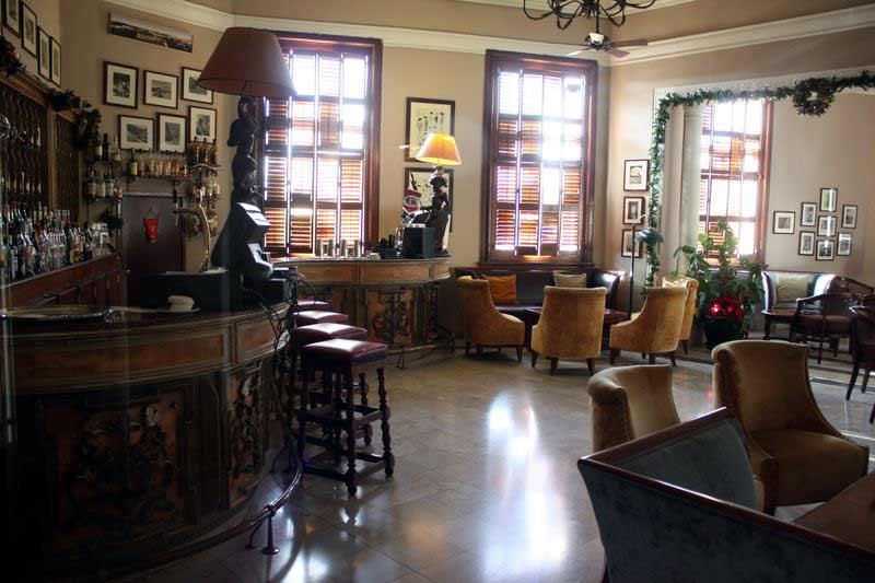 Die very britishe Bar im Hotel Phoenicia.