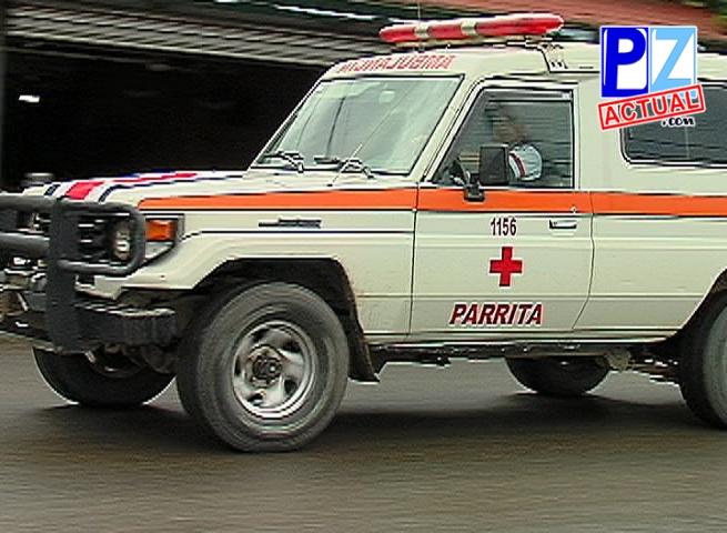 Agentes investigan las causas que mediaron en un accidente de tránsito en Parrita